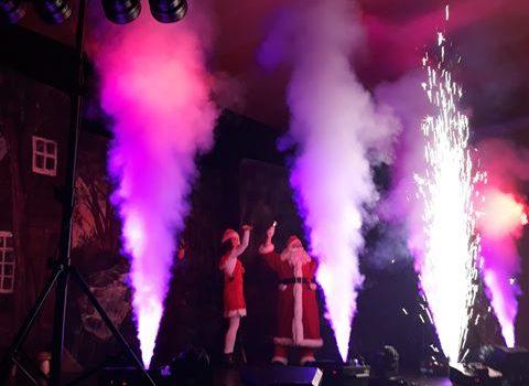 Zbliżają się Święta… choinka, pierniczki, kolędowanie i spotkanie ze Świętym Mikołajem :)