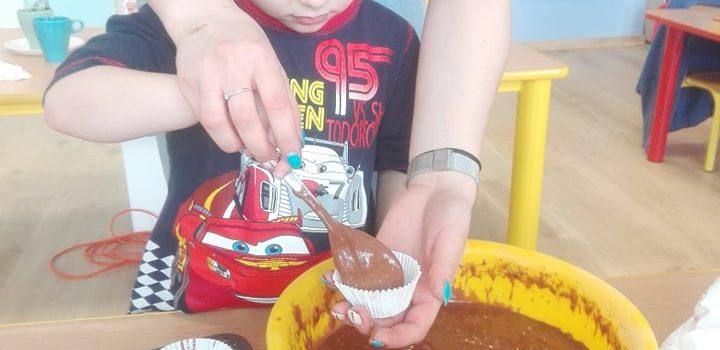 Międzynarodowy Dzień Czekolady – babeczki u Maluchów